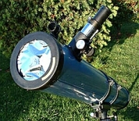 A telescope fitted with an aluminised solar filter. Click for larger image, 59 KB (Image: 'SpaceCentre.nz' website)